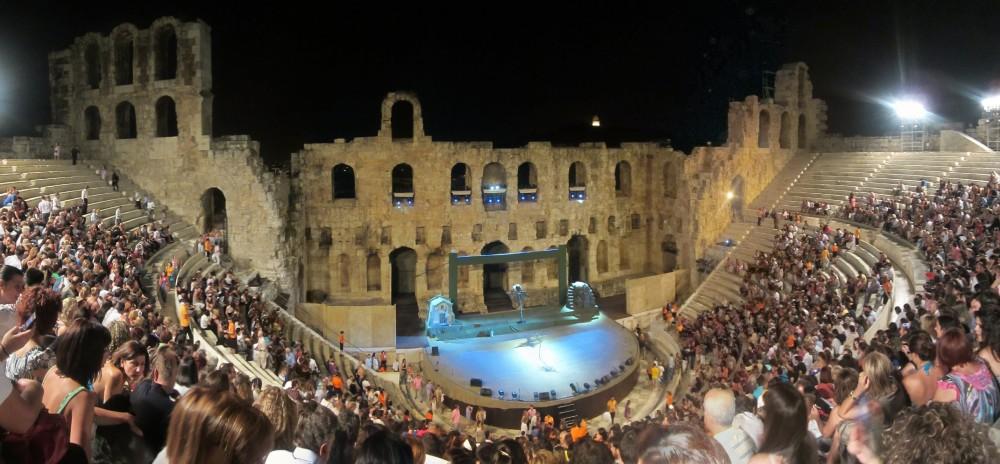 Odeon_of_Herodes_Atticus_night-time_panorama.jpg