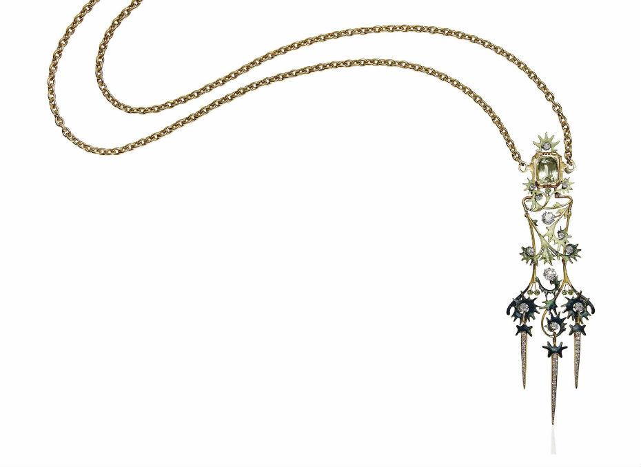 2017_GNV_15697_0016_000an_art_nouveau_beryl_diamond_and_garnet_pendent_necklace_by_rene_laliq.jpg