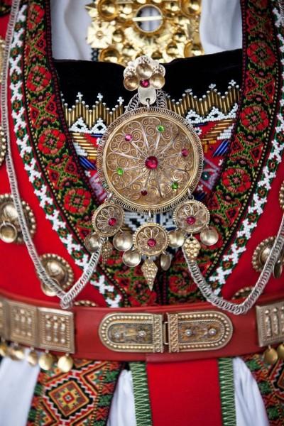 748c1f240873537af5ca83c045804fc1--folk-costume-costumes.jpg
