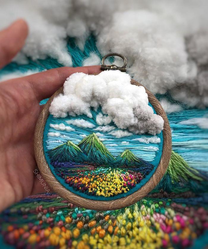 embroidery-artist-shimunia-1-5c41c7b6dac36__700.jpg