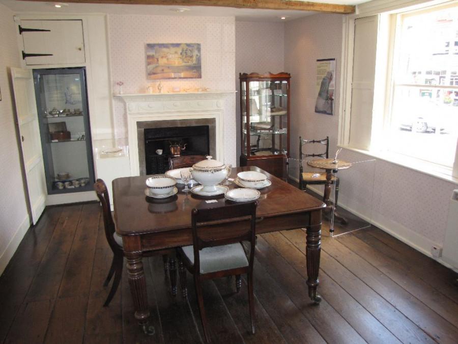 jane-austens-house-museum-winchester-1.jpg