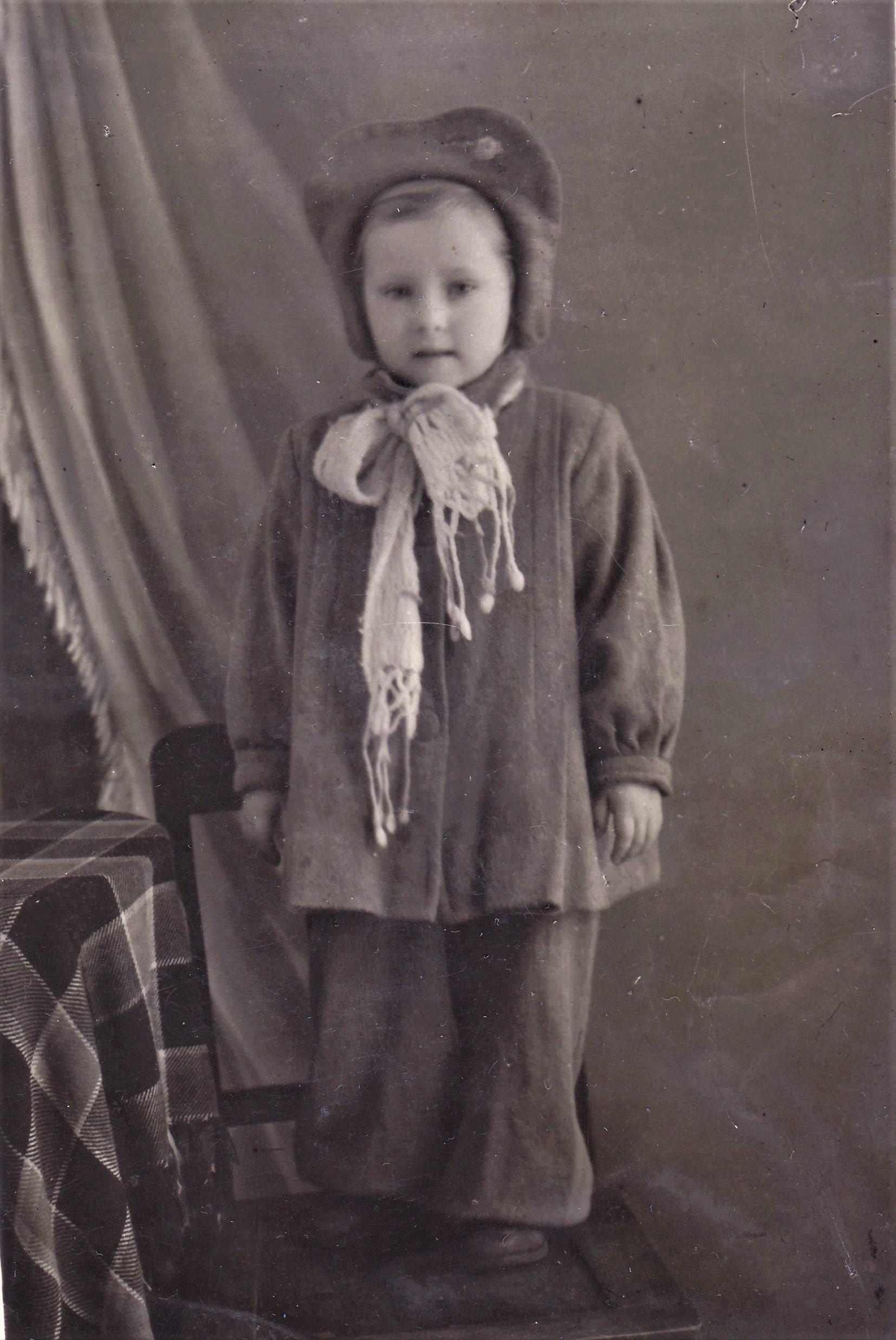 Моя сестра, Оля. Ленинград, 1953 год.
