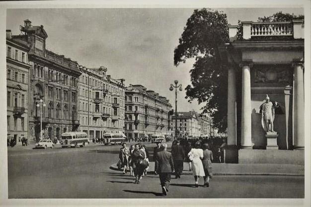 Ленинград. Невский проспект, 1953 год. Фото из интернета.